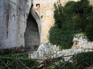 Siracusa Parco della Neapolis: L'orecchio di Dionisio